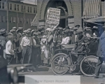 suffragettes_outside_winchester_plant__c-_1916__candee__19_2-2033-800-600-80-wm-center_bottom-50-watermarkphotos2png