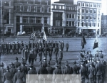 yale_students_marching_on_the_green__candee__19_184-2036-800-600-80-wm-center_bottom-50-watermarkphotos2png