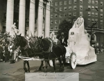 mssb3_9_a_new_haven_tercentenary_parade__float_for_first_italian_settler1-1049-800-600-80-wm-center_bottom-50-watermark2png