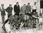 mssb7_69_a_mayor_celentano_with_children_at_oak_st-_bath_house_pool-2317-800-600-80-wm-center_bottom-50-watermark2png