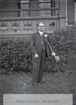 unidentified_man_with_crutch__hospital_22_265-2137-800-600-80-wm-center_bottom-50-watermarkphotos2png